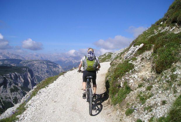 Rowery do podróżowania, typy rowerów a droga, cele