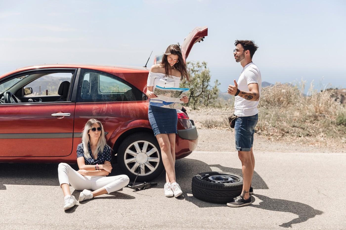 Profesjonalna pomoc drogowa pomoże z uporaniem się z awarią auta na środku drogi i dotarciem do wcześniej ustalonego celu podróży